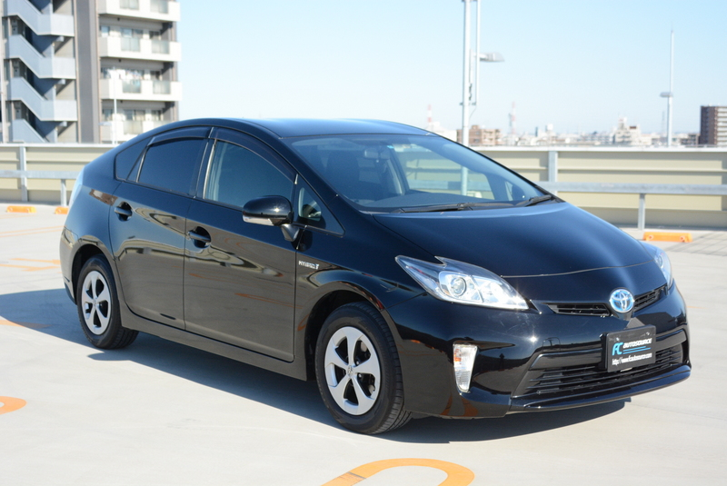 Mint Prius in black!